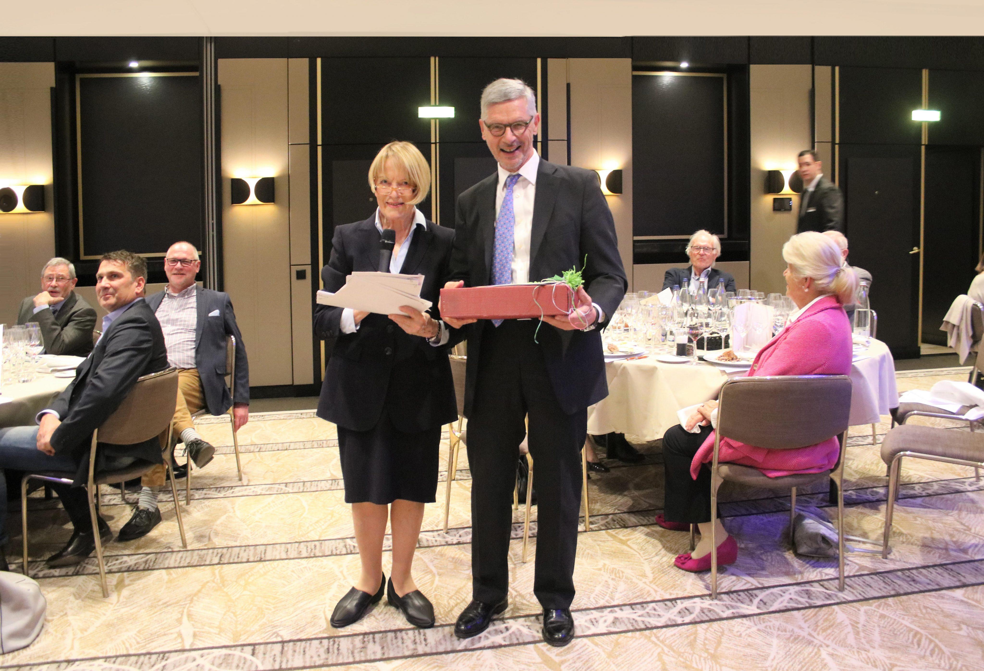 Collegium Vini 25.4.2019 Gerda Machau und Dr. Klaus Schubäus